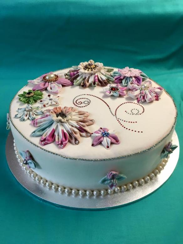 suzannes-kanzashi-cake Four cities and a wedding in China